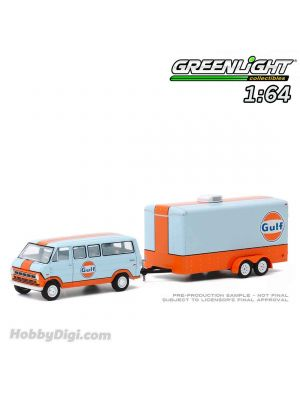 Greenlight 1:64 合金車 - Hitch & Tow Series 20 - 1972 Ford Club Wagon Gulf Oil with Enclosed Car Hauler Solid Pack