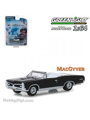 Greenlight 1:64 Diecast Model Car - 1967 Pontiac GTO Convertible MacGyver (Hollywood S24)