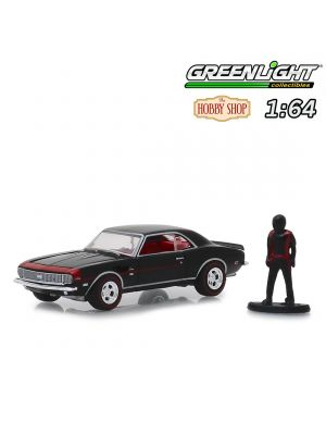 Greenlight 1:64 Diecast Model Car - 1968 Chevrolet Camaro RS/SS with Race Car Driver (Hobby Shop s6)