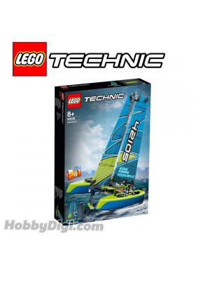 LEGO Technic 42105: Catamaran